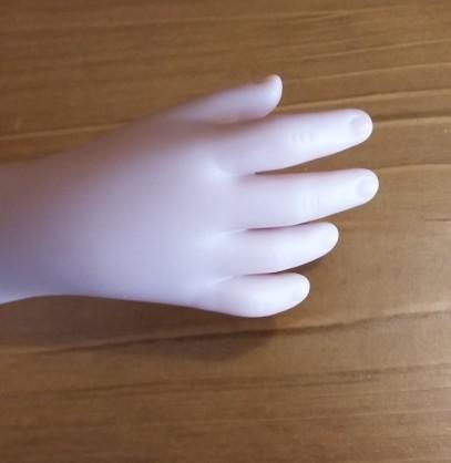 main droite de Prisca